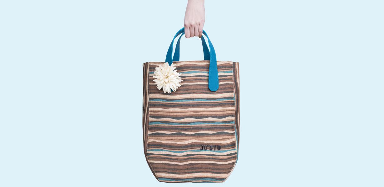 borsa-J1-dune-marrone-manici-blu-chiaro-e-fiore-avorio